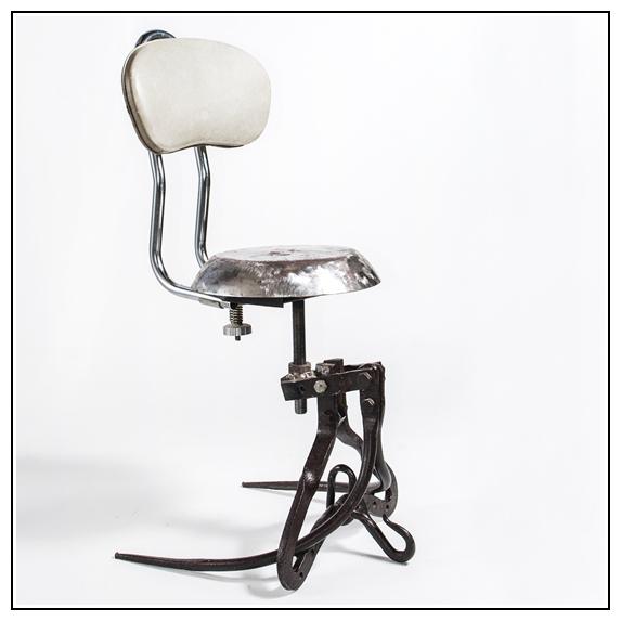 Chaise éclectique